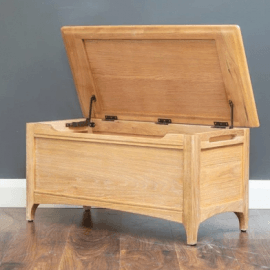 logan-blanket-box-oak