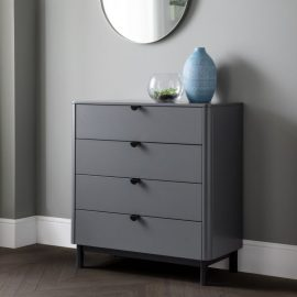 chloe-4-drawer-chest-roomset